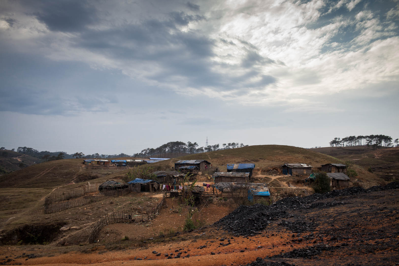 A small village of coal miners in a remote area in Meghalaya. With their major disconnection to any kind of entertainment or education, the miners and their families turn to drinking Whisky in their leisure time to distract themselves.