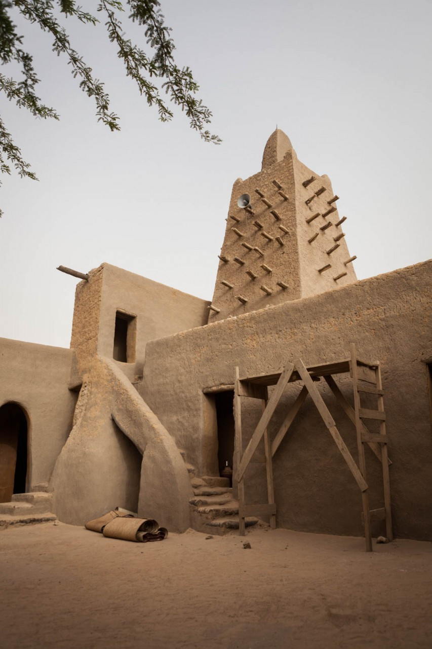 The courtyard and the minaret of the Djingere-ber mosque in Timbuktu. The city at the edge of the Sahara used to attract thousands of annual tourists from all over the world before the war.