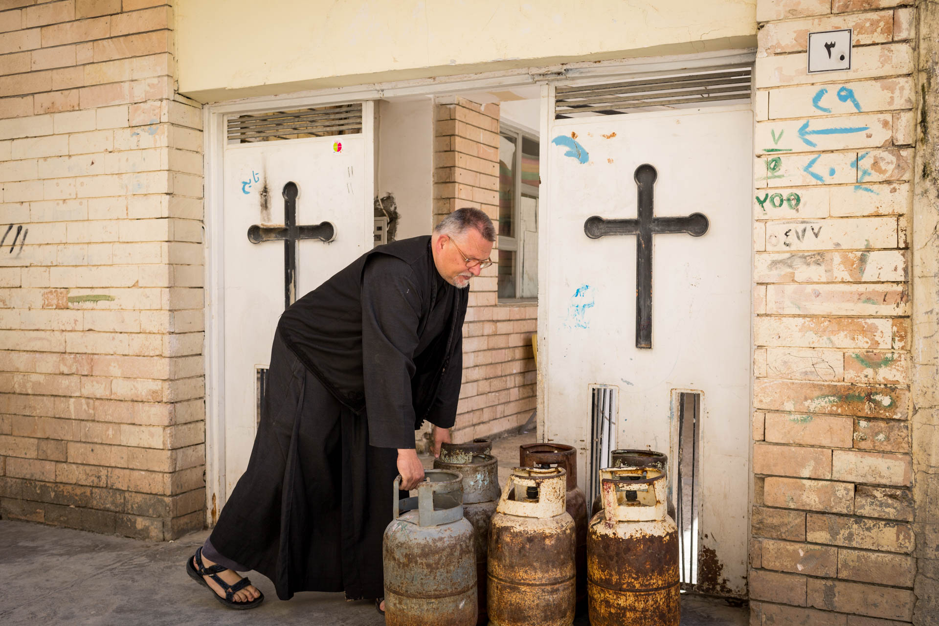 Jens is not employing any helping hands in the monastery, therefore he also takes care of the weekly gas delivery.