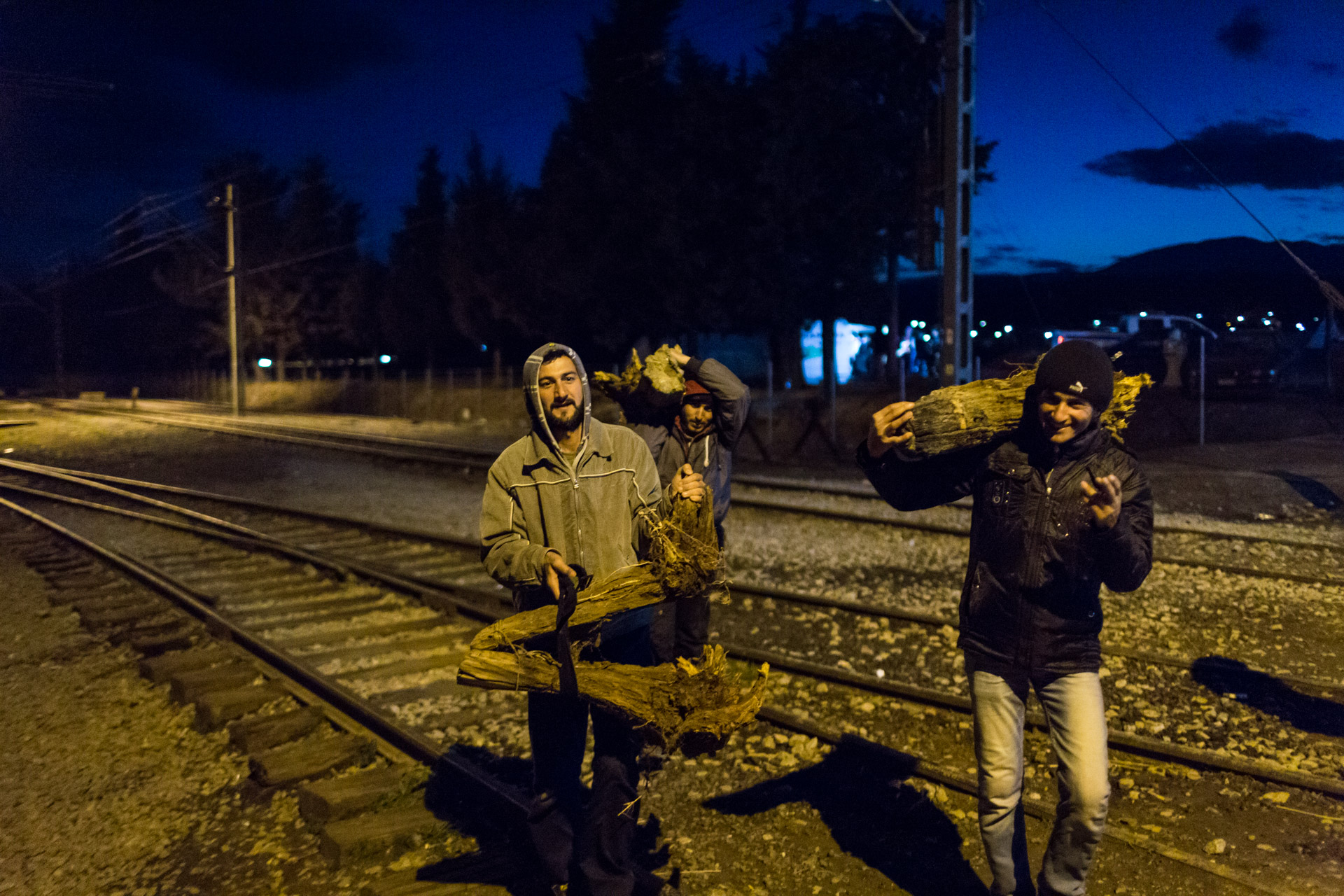 The nights in Idomeni were cold as 2 degrees Celsius sometimes, so fire is an important source of warmth. Every evening, Basem, Ahmad and Mohammad go searching for fire wood.